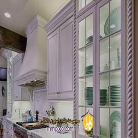 درب های شیشه ای در کابینت آشپزخانه