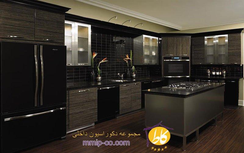 ظاهری شیک و زیبا در طراحی آشپزخانه سیاه